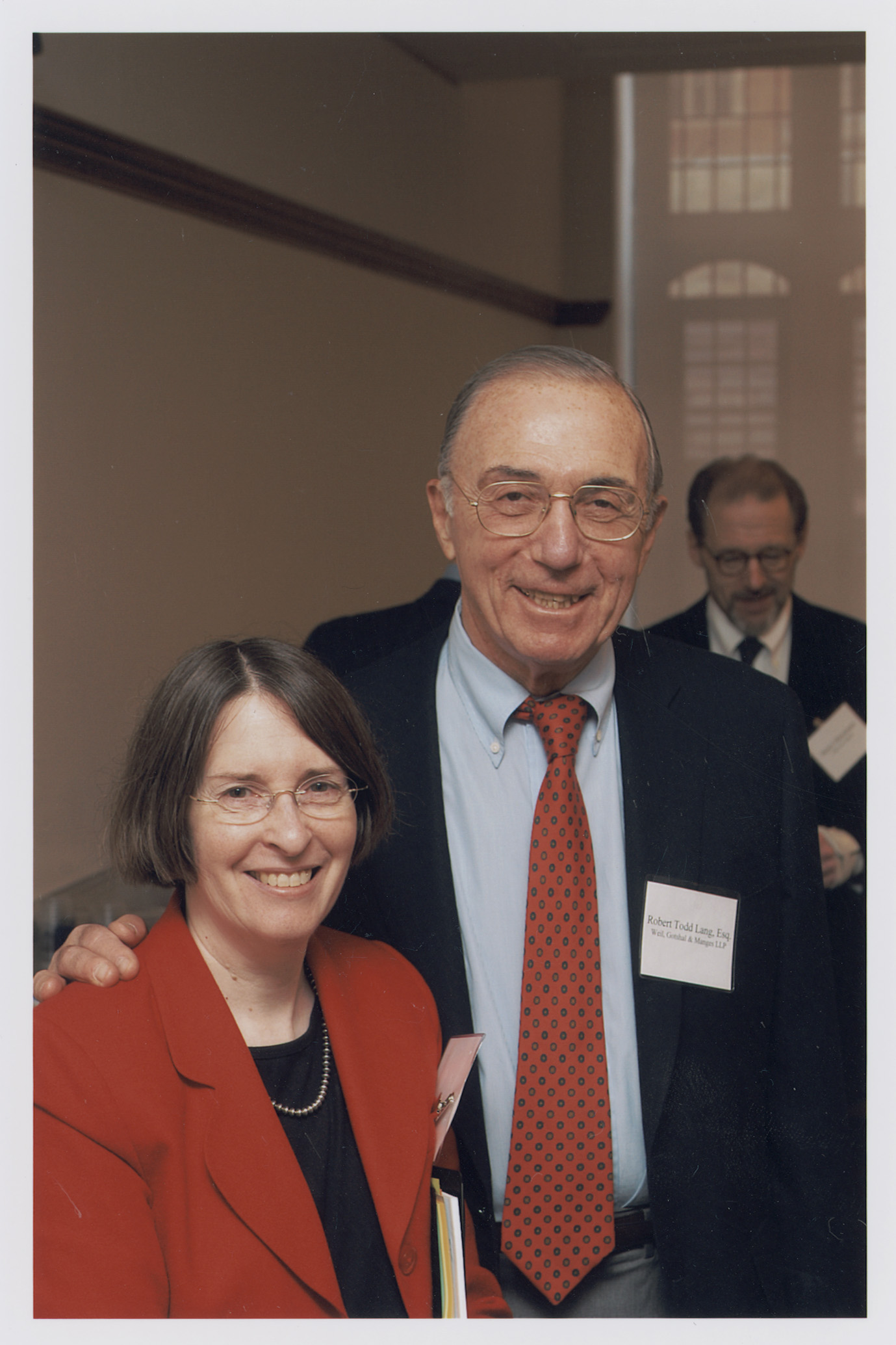 YLS Prof. and Center Dir. Roberta Romano '80 and Robert Todd Lang '47