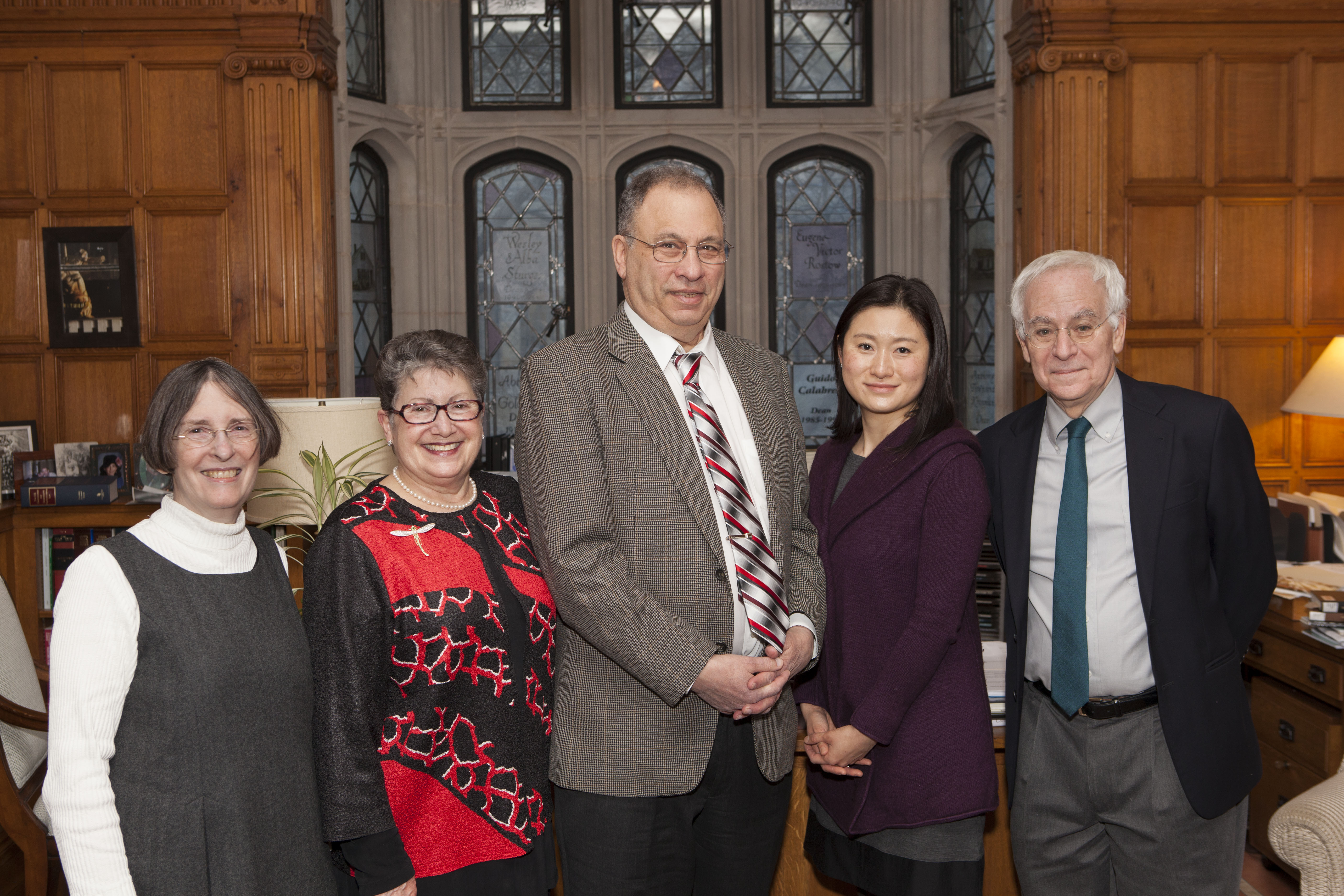 YLS Prof. and Center Dir. Roberta Romano '80, Carole Levin, Princeton Ecology and Evolutionary Biology Prof. Simon Levin, Nancy Liao '05, and YLS Dean Robert Post '77