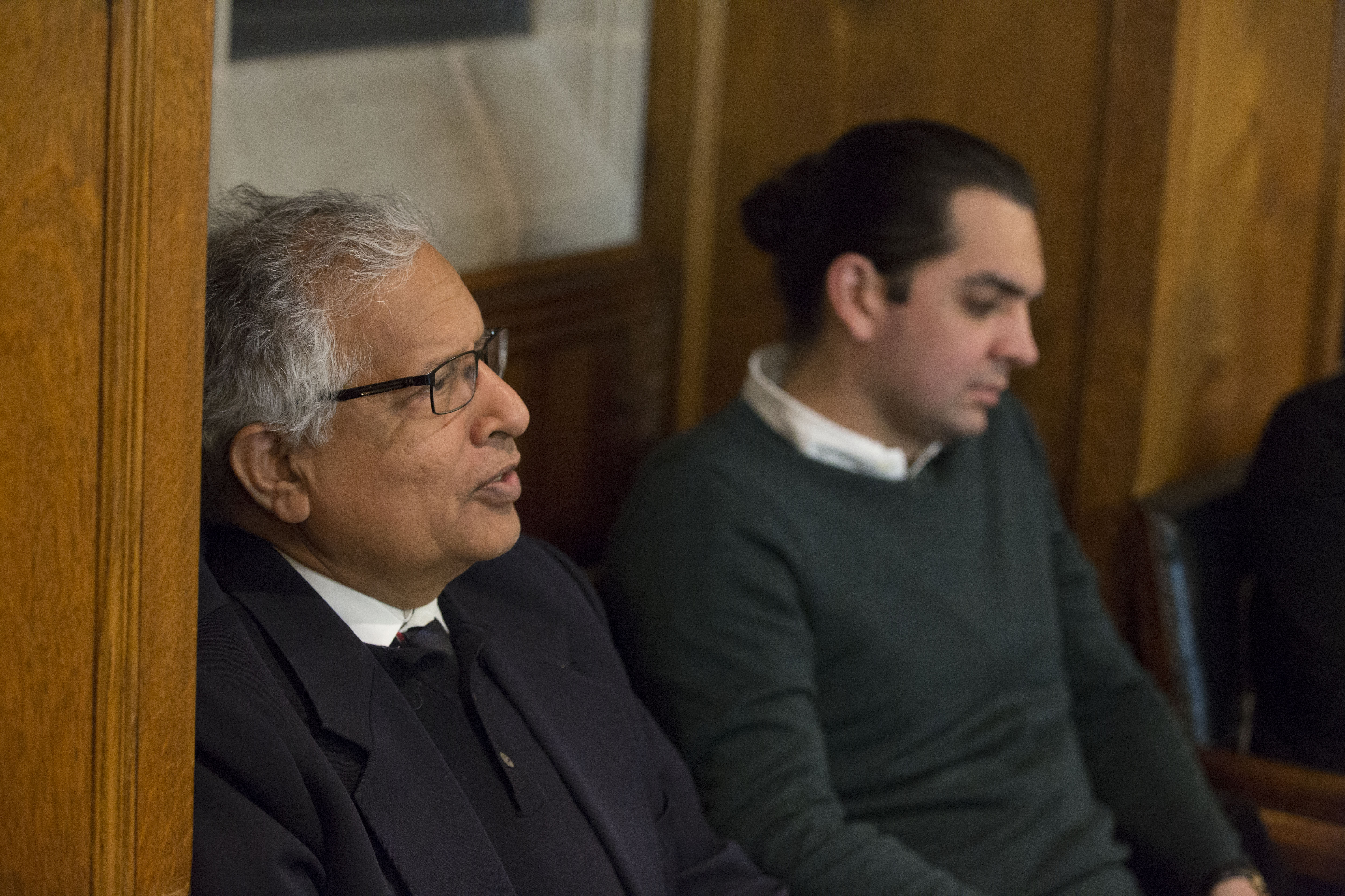 Yale SOM Prof. Shyam Sunder and Yale Epidemiology Research Scientist Jorge A. Alfaro-Murillo