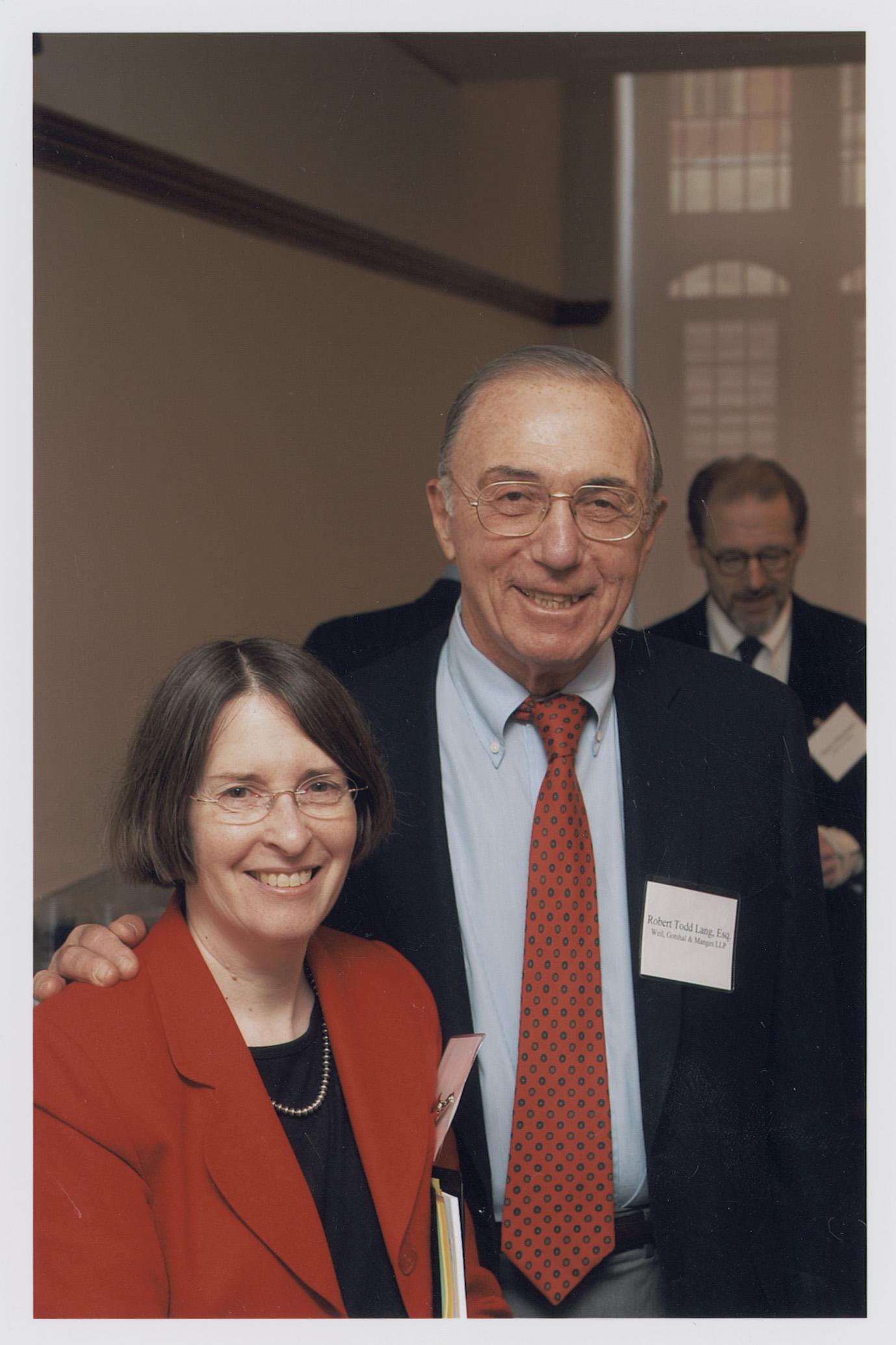 YLS Prof. and Center Dir. Roberta Romano '80 and Robert Todd Lang '47