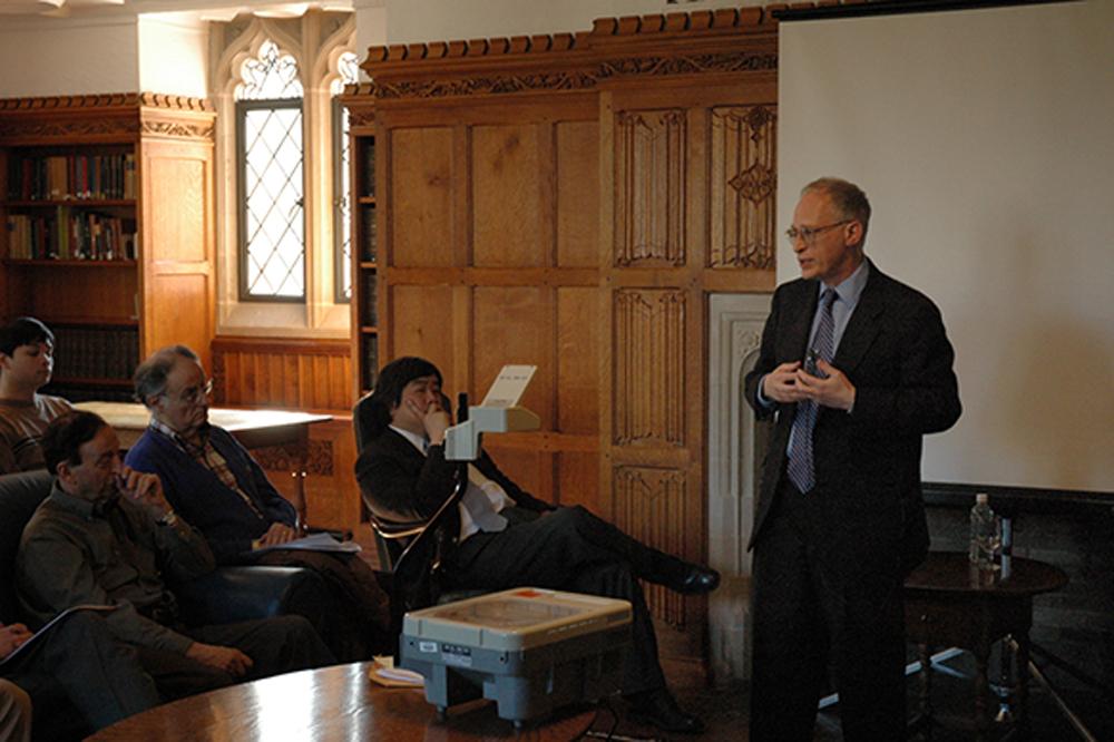 Harvard Econ. Prof. Oliver Hart