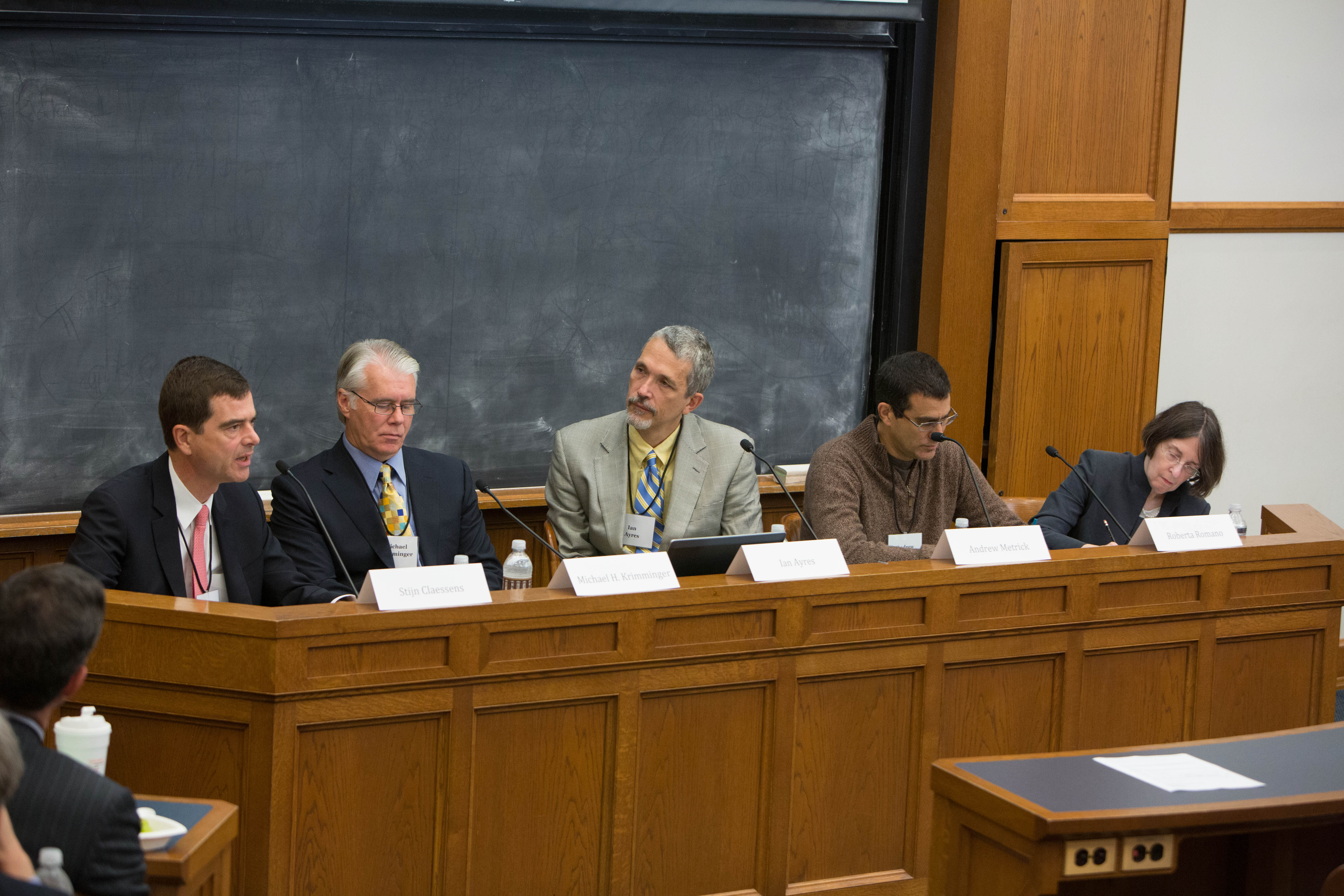 Stijn Claessens, Michael H. Krimminger, YLS Prof. Ian Ayres '86, Yale SOM Prof. Andrew Metrick, and YLS Prof. and Center Dir. Roberta Romano '80
