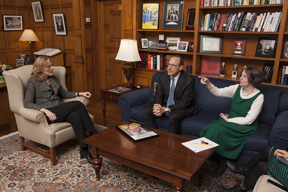 YLS Dean Heather Gerken, Harvard Bus. Prof. David S. Scharfstein, and YLS Prof. and Center Dir. Roberta Romano '80