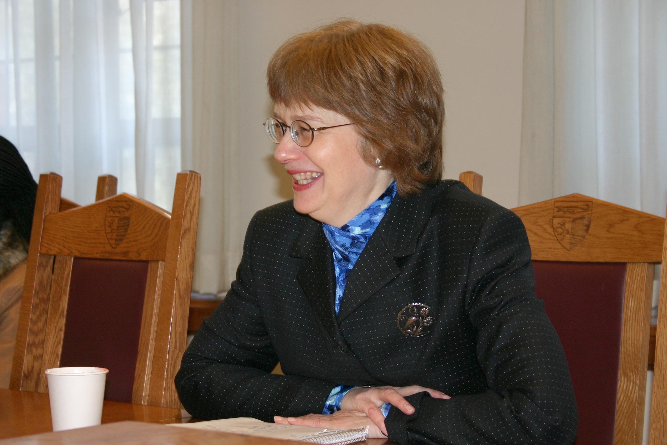 Victoria Cundiff '80