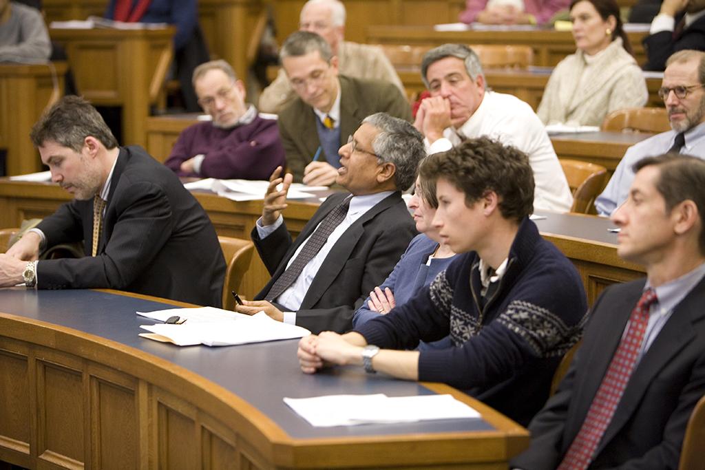 Yale SOM Prof. Shyam Sunder asking a question