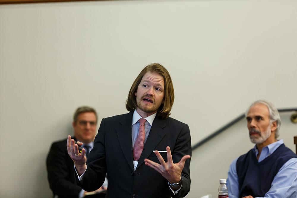 Yale SOM Prof. Florian Ederer