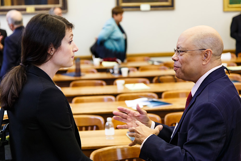 USC Law Prof. Dorothy Lund and Robert Robertson conversing