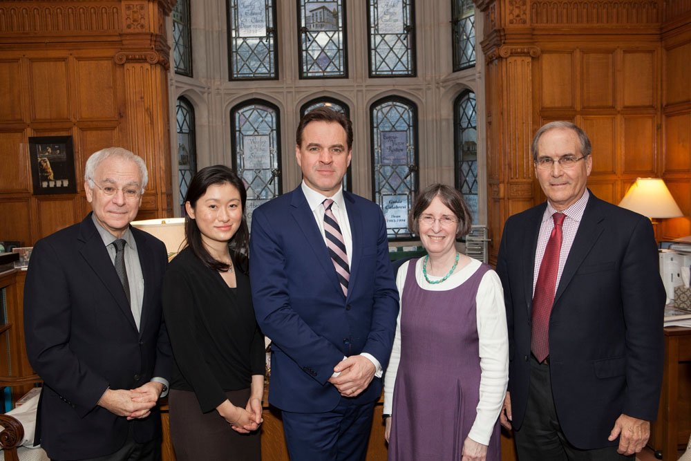 YLS Dean Robert Post '77, Nancy Liao '05, Harvard History Prof. Niall Ferguson, YLS Prof. and Center Director Roberta Romano '80, and John Raben