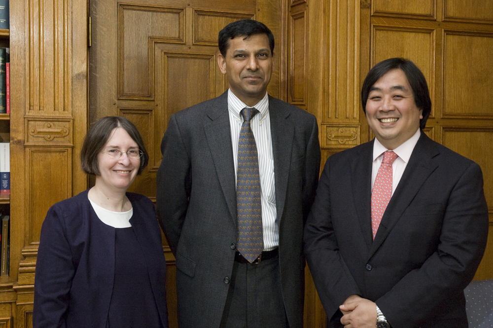 YLS Prof. and Center Dir. Roberta Romano '80, U. of Chicago Booth Prof. Raghuram Rajan, YLS Dean Harold Koh